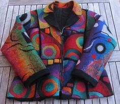 Zauberjacke Vorderansicht  - I like the color contrasts, and the shaded concentric circles