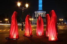 festival-of-lights-lumina-licht-berlin-light-art-show-siegessaele-waechter-der-zeit-manfred-kielnhofer-ars-contemporary-public-art-design-kunst-765040.jpg (320×213)