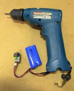 Convert Old Cordless Tools to Lithium Power: 5 Steps (with Pictures) Battery Drill, Cordless Drill Batteries, Cordless Drill Reviews, Cordless Power Tools, Cool Tools, Diy Tools, Hand Tools, Makita Tools, Dewalt Tools