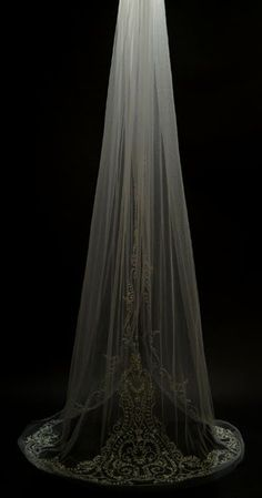 loveee the bottom of this veil