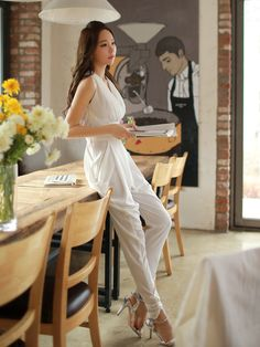 White+Sleeveless+Designer+Jumpsuit