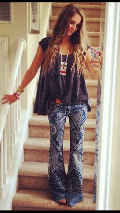 Discharge Bali Flare style. Pattern mandala jeans, flare jeans 70s bell bottom denim, braids, hair | Boho chic bohemian boho style hippy hippie chic bohème vibe gypsy fashion indie folk yoga yogi womens fashion style