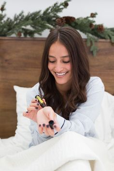 doTERRA Motivate® Touch Off Now at Natural Earth Oils !) Ready, Set, Go! Sometimes life feels like a race and we're ru. Doterra Essential Oils, Essential Oil Blends, Doterra Motivate, Oil Quote, Natural Earth, Natural Oils, Diffuser Blends, Photography Branding, Photoshoot Inspiration