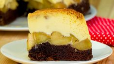 Apple& caramel upside down cake Apple Recipes, Cake Recipes, Dessert Recipes, Food Cakes, Romanian Desserts, Banana Pie, Torte Recipe, Bulgarian Recipes, Choux Pastry