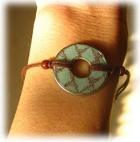 How to make a washer bracelet. Wow...one gorgeous washer