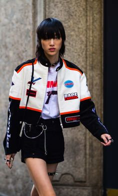 More of the Best Street-Style Looks From Milan Fashion Week - korean fashion Street Style Fashion Week, Japanese Street Fashion, Tokyo Fashion, Cool Street Fashion, Street Style Looks, Japanese Street Styles, Korea Street Style, Seoul Fashion, Korean Fashion Trends
