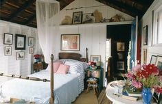 A rustic designed bedroom~