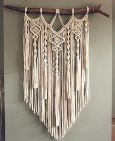 Macrame wallhanging 'Eternity' #macrame #driftwoodbeach #modernmacrame #macrameart #macramewallhanging #fiberart #knotting #wanddecoratie #wallart #walldecoration #handmadeisbetter #bohohomedecor #bohohome #etsysellersofinstagram #lovehandmade #madewithcare #artisan #jungalowstyle #nordichome #textileart #artistik #macramé #bohemianmodern #bohemianliving #bohoinspo #creatorslane #creativehappylife #abmcrafty #bohemianliving #macramelove