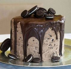 Oreo Double Fudge Cake discovered by MJ on We Heart It Köstliche Desserts, Delicious Desserts, Dessert Recipes, Yummy Food, Oreo Dessert, Dessert Food, Healthy Food, Cupcakes, Cupcake Cakes