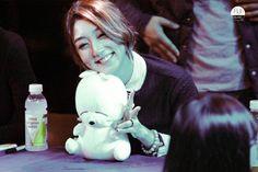 Nine muses eunji is so cute Korean Girl Groups, Muse, Cinderella, Disney Characters, Fictional Characters, Kpop, Entertaining, Disney Princess, Park