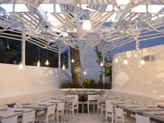 Phos Restaurant In Mykonos Town / LM Architects  http://www.archdaily.com/246117/phos-restaurant-in-mykonos-town-lm-architects/