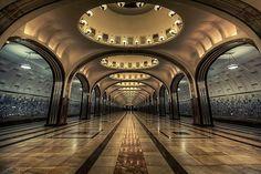 キエフスカヤ、マヤコフスカヤ&ポベディ公園駅 Russia