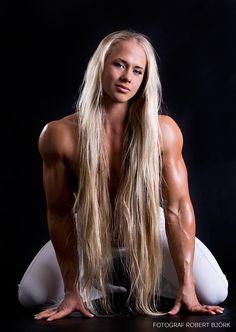 Sarah Bäckman - Hottest Fitness Models http://fitness-bodybuilding-beauties.blogspot.com/2015/12/sarah-backman-hottest-fitness-models.html