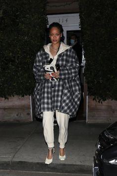Rihanna Dress, Rihanna Outfits, Rihanna Style, Rihanna Fenty, Fenty Collection, Lingerie Collection, Business Women, My Idol, Flannel