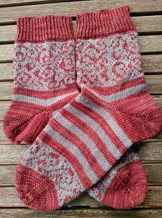Socken stricken/häkeln/knit socks Ravelry: Where the Wild Roses Grow pattern by Anna Mäkilä How To C Fair Isle Knitting, Knitting Socks, Beginning Knitting Projects, Ravelry, Growing Roses, Fair Isle Pattern, Seed Stitch, Fingerless Mittens, Wool Socks