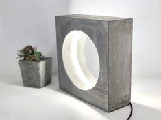 Betonlampe Beton Tischlampe Schreibtischlampe LED-Lampe | Etsy Concrete Light, Concrete Table, Concrete Molds, Diy Crafts For Home Decor, Concrete Crafts, Desk Lamp, Table Lamps, Wooden Lamp, Diy Molding