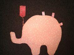 Roze met wit knuffeldoekje/kroeldoekje van Gernaai op DaWanda.com
