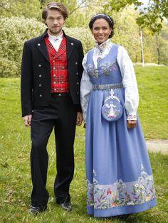 Haddy N'Jie and Jakob Oftebro Foto: Anne Liv Ekroll / NRK Folk Costume, Costumes, Frozen Costume, Folk Clothing, Scandinavian Art, People Of The World, Ethnic Fashion, Traditional Dresses, Types Of Fashion Styles