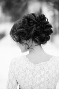 Perfect up-do for a hot summer outdoor wedding!  Up off the neck but loose and flowy!