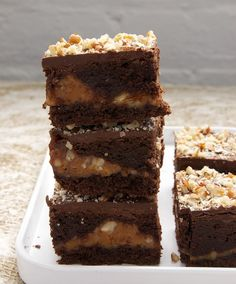 Caramel Pecan Brownies are rich brownies sandwiched around a nutty caramel layer. Delicious! - Bake or Break