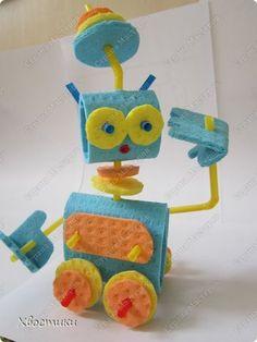 Мастер-класс Поделки динамические Поделки для мальчиков День космонавтики День рождения Моделирование конструирование Робот из салфеток МК+шаблоны Салфетки Трубочки коктейльные фото 1