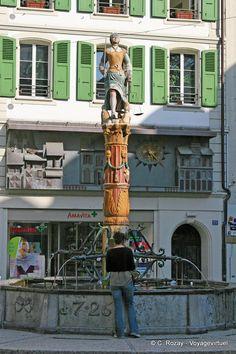 Lausanne. Place de la Palud. Fontaine de la Justice