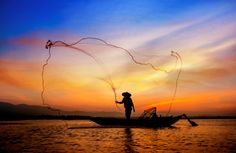 Pesca artesanal no Inle Lake