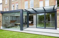Find home projects from professionals for ideas & inspiration. The reconstruction and enlargement of a dilapidated extension to the rear of a Victorian home by Trombe Ltd Open Concept Kitchen, Open Plan Kitchen, House Extension Plans, Kitchen Diner Extension, Glass Extension, Diy Kit, Tiny House Living, Living Room, Kitchen Living