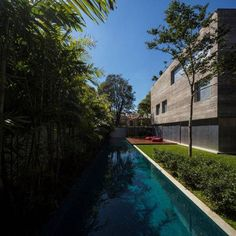 Folha de S.Paulo - Classificados - Imóveis - Arquitetos desenvolvem 'casa-cubo' gigante em SP - 06/03/2013