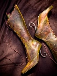 Steampunk faerie boots made by a shoemaker in Australia Moda Steampunk, Steampunk Fashion, Steampunk Boots, Steampunk Fairy, Gothic Fairy, Crazy Shoes, Me Too Shoes, Shoes Uk, Faeries
