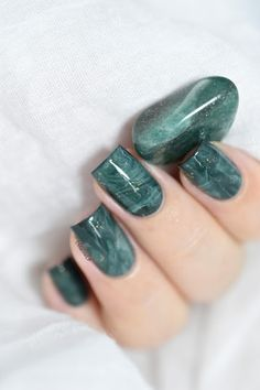 Marine Loves Polish - Easy stone marble nail art tutorial - Aventurine stone - smooshy stamping technique - smooshy nails - marble nails