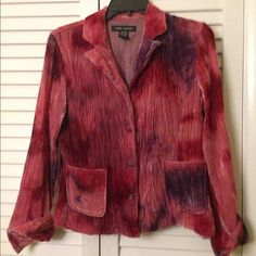 """Crushed Velvet Blazer ⭐️New Listing!⭐️ So sad. I heart this blazer forever, but I'm a bit too """"curvy"""" for it these days. It's lots of fun, wear it buttoned up or open. Lots of compliments! ⭐️New Listing!⭐️ Anne Carson Jackets & Coats Blazers"""