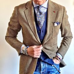 Yes!! #Elegance #Fashion #Menfashion #Menstyle #Luxury #Dapper #Class #Sartorial #Style #Lookcool #Trendy #Bespoke #Dandy #Classy #Awesome #Amazing #Tailoring #Stylishmen #Gentlemanstyle #Gent #Outfit #TimelessElegance #Charming #Apparel #Clothing #Elegant #Instafashion