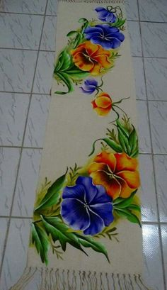 Pintura Diy And Crafts, Arts And Crafts, Paint Party, Fabric Painting, Handicraft, Art Sketches, Patches, Hand Painted, Rose
