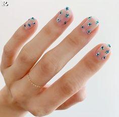 Nail Manicure, Diy Nails, Cute Nails, Pretty Nails, Nail Polish, Manicure Ideas, Flower Nail Designs, Nail Art Designs, Popular Nail Art