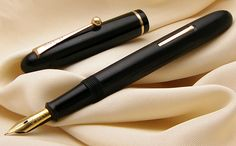 Dunhill Namiki Vintage Fountain Pen