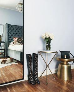 I absolutely love dark wooden floors, grey walls/details and brass. It's my home addiction.