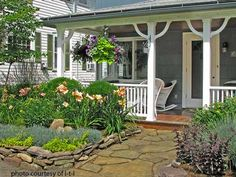 Porch Landscaping Ideas for Your Front Yard and Flagstone Walkway, Front Walkway, Front Yard Landscaping, Walkway Garden, Landscaping Ideas, Mobile Home Porch, Mobile Homes, Country House Design, House Front