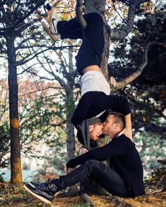 You have to watch this adorable gay couple's Central Park proposal Meaws - Gay Site providing cool gay stories and articles Cute Gay Couples, Couples In Love, Gay Lindo, Gay Aesthetic, Men Kissing, Man In Love, Same Love, Couple Goals, Beautiful Men