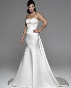 El modelo Axelle de #Innovias es el vestido de novia perfecto para tu boda. ✨👰🏻✨👗✨💍✨ #innovias #novias #novia #vestidodenovia #vestidosdenovia #vestido #vestidos #bodas #boda #blanco #white #colección #colecciones #collection #trends #tendencia #trend #vivalanovia