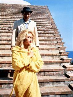 """1963, grand film de Jean Luc GODARD, """"Le mépris"""" : Le récit d'un couple au bord de la rupture, LE MEPRIS ayant fait irruption dans leurs relations. (affiche et photos du film)"""