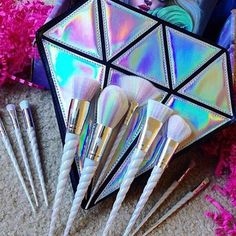 BESTOPE Makeup Brushes 8 Pieces Makeup Brush Set Professional Face Eyeliner Blush Contour Foundation Cosmetic Brushes for Powder Liquid Cream - Cute Makeup Guide Unicorn Brush, Unicorn Makeup, Unicorn Lashes, Unicorn Horns, Skin Makeup, Beauty Makeup, Makeup Geek, Clean Makeup, Hair Beauty