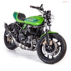 Kawasaki Cafe Racer, Motos Kawasaki, Kawasaki Motorcycles, Cool Motorcycles, Vintage Motorcycles, Cafe Bike, Cafe Racer Bikes, Tracker Motorcycle, Motorcycle Style
