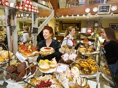 Picture of the Queen of Tarts shop in Dublin, Ireland