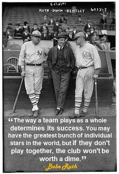 Photo of Babe Ruth in a New York Yankees uniform & Jack Bentley in Giants uniforms for exhibition game; Jack Dunn in middle (baseball). Baseball Star, Baseball Quotes, Baseball Pictures, Baseball Players, Baseball Uniforms, Baseball Season, Baseball Cards, Equipo Milwaukee Brewers, Babe Ruth
