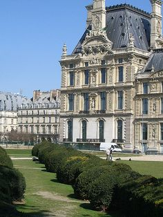 Le Louvre...so vast that Francis I rode horseback through the galleries when it was his palace...
