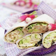 Wrap med tonfIsk Fresh Rolls, Tacos, Mexican, Lunch, Ethnic Recipes, Food, Eat Lunch, Essen, Meals
