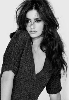 """El otro día vi la película """"Volveré"""" y el papel de Penelope Cruz me encanto. Es una de las mejores actrices españolas que hay hoy en día."""