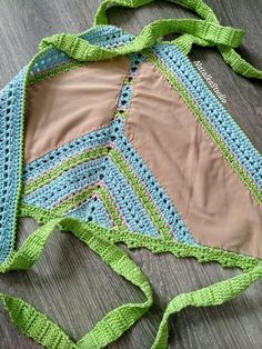 New crochet top crop outfits shorts Ideas Crochet Bra, Crochet Halter Tops, Crochet Bikini Top, Newborn Crochet, Crochet Slippers, Crochet Clothes, Love Crochet, Cotton Crochet, Top Crop Tejido En Crochet