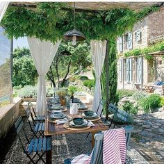 Wunderschön renoviertes altes Bauernhaus in Cáceres, Spanien - Pergola - Outdoor Rooms, Outdoor Dining, Outdoor Gardens, Indoor Outdoor, Outdoor Decor, Rustic Outdoor, Gazebos, Old Farm Houses, Outside Living